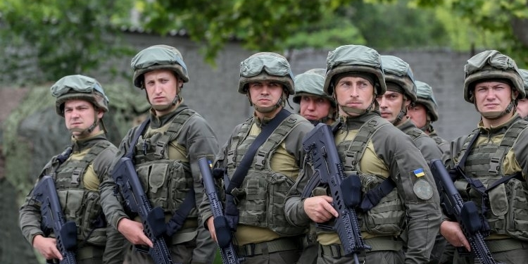 Національній гвардії хочуть надати право проводити особистий обшук громадян
