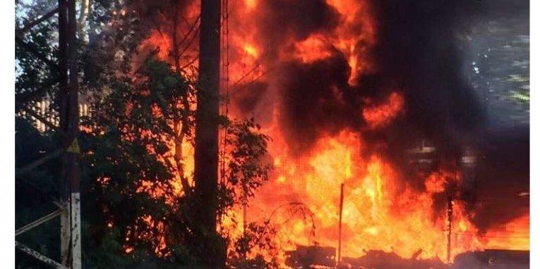 У Чорнобильській зоні продовжують гасити пожежі у трьох лісництвах