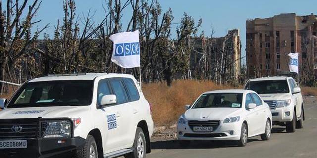 Спостерігачі ОБСЄ потрапили під обстріл на Донбасі