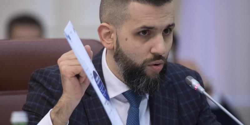 Нефьодов вибив собі і своїм заступникам надбавки до 600 % окладу, незважаючи на дикі недобори митниці