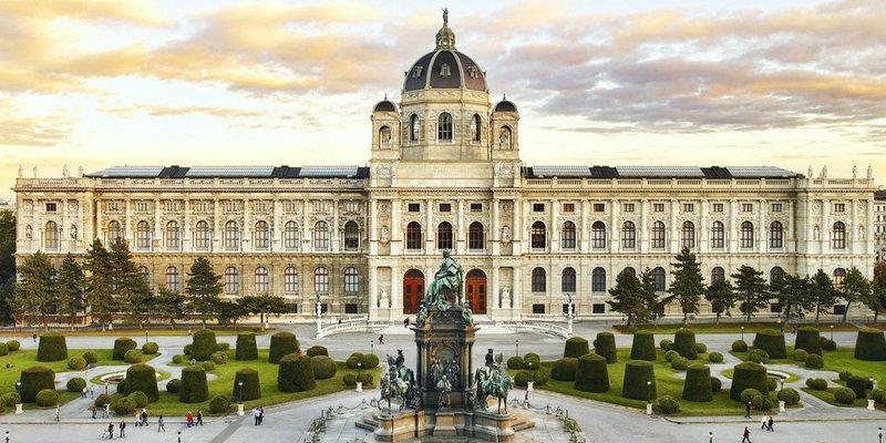 Австрія відкриє музеї з середини травня