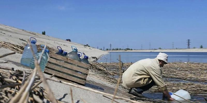 """""""Не можна!"""": У Зеленського назвали умову, за якої постачатимуть воду в Крим"""