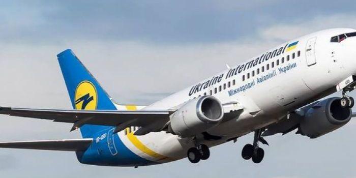 Українці таки вилетіли до Лондона на сезонні роботи