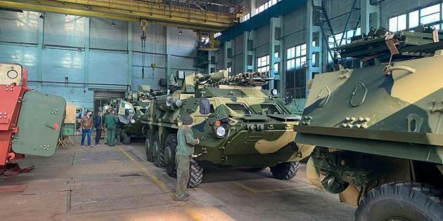 Українським військовим передали партію бронетехніки