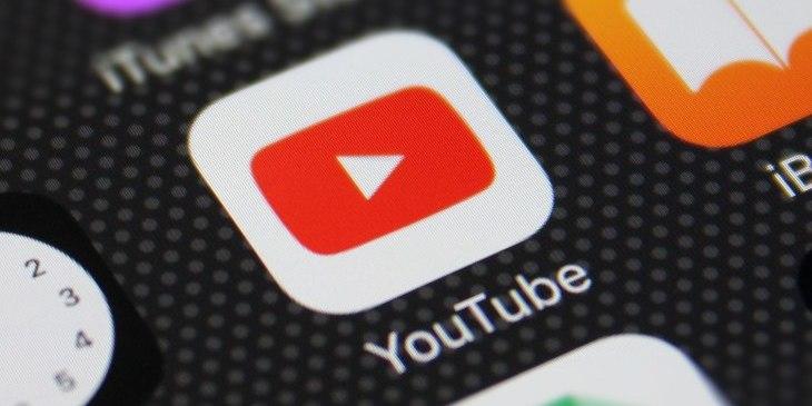 YouTube проведе онлайн-випускний для школярів, які залишаться вдома через пандемію. Запросили Леді Гагу та Мішель Обаму