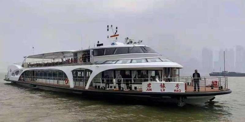 Китайці провели успішні випробування електричного корабля