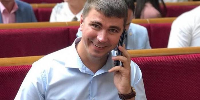 На Разумкова і Гетманцева подали до суду через «банківський закон»