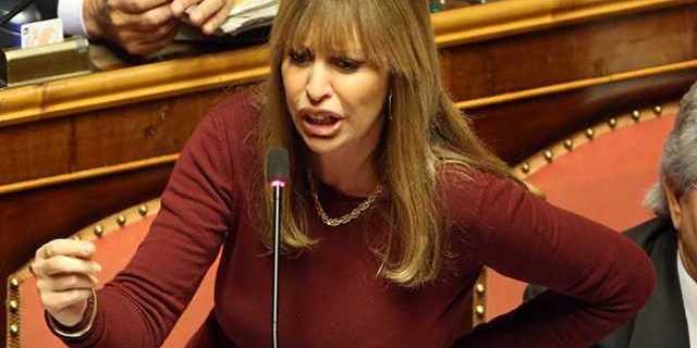 «Відновлення правди»: онука Муссоліні прокоментувала зняття з неї санкцій в Україні