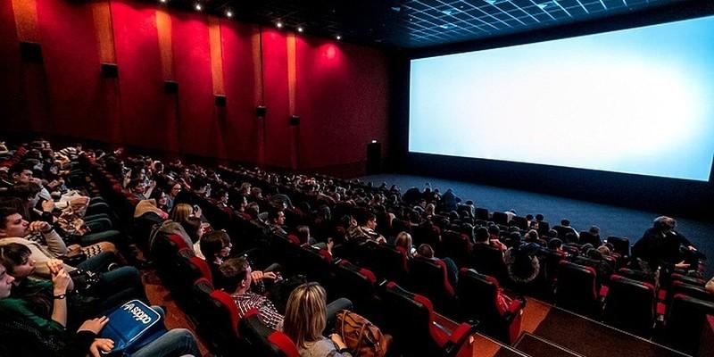 Роботу кінотеатрів і концертних залів можуть дозволити з 1 липня