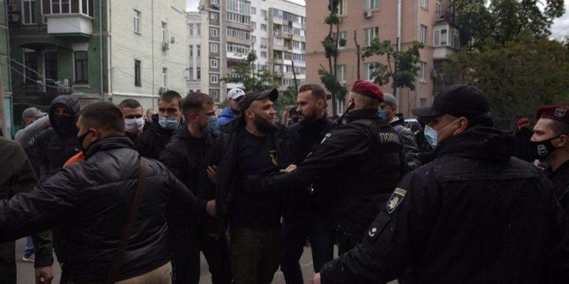 У Києві біля офісу Медведчука затримали 17 осіб