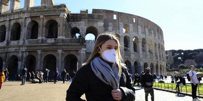 Італія набирає 60 тисяч волонтерів, щоб запобігти натовпам на вулицях