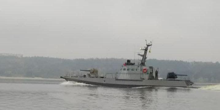 ВМС України випробовували новий артилерійський бронекатер (фото)