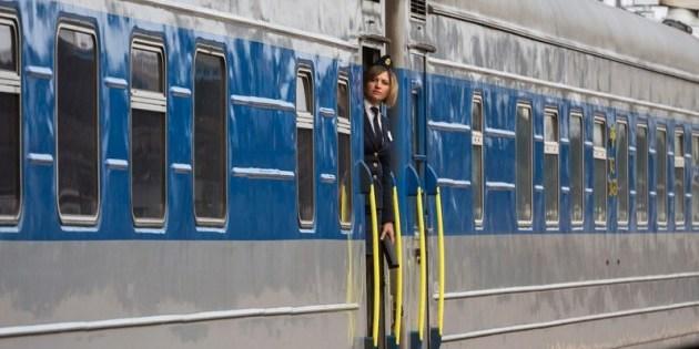 Стартував продаж квитків на поїзди західного напрямку: список