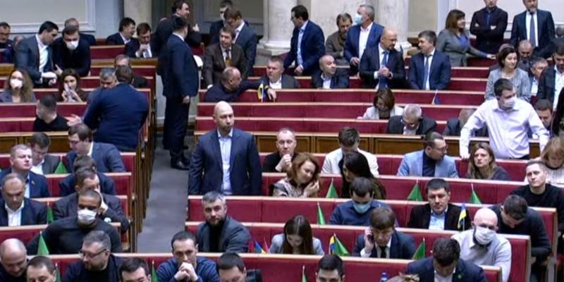 19 депутатів-мільйонерів зі «Слуги народу» орендують житло за бюджетні кошти – КВУ